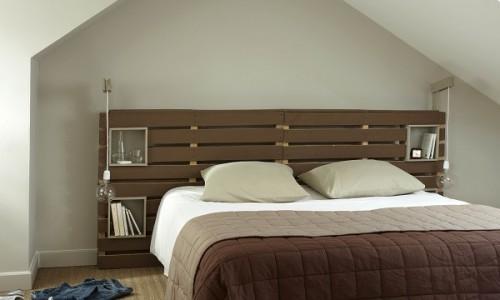 Tête de lit en palette et mobilier recyclé - Portail-maison.con