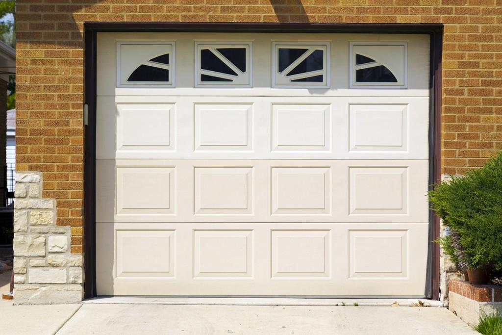 Bien choisir sa porte de garage portail maison for Choisir sa porte de garage