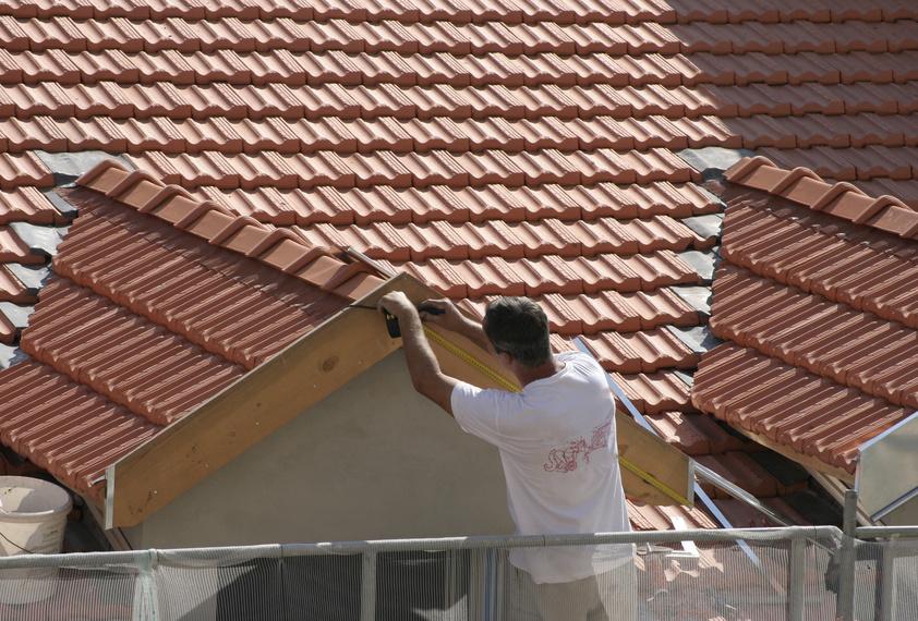 L 39 importance d 39 une bonne toiture portail maison - Toiture imitation tuile avec isolation ...