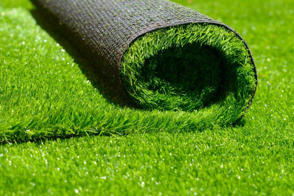 pose pelouse synthétique
